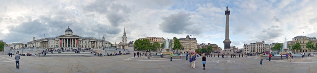 Trafalgar_Square_360_Panorama_Cropped_Sky,_London_-_Jun_2009.jpg